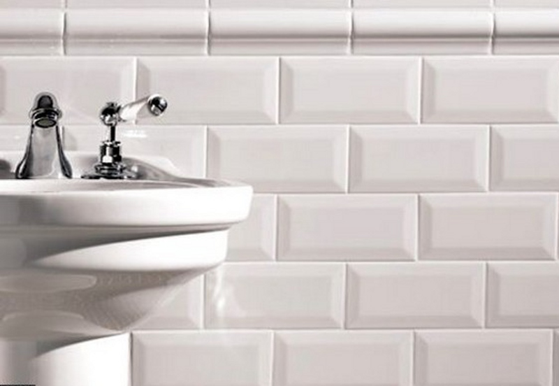 Metro White Bevelled Tile The Tile Outlet Belfast Amp Newry